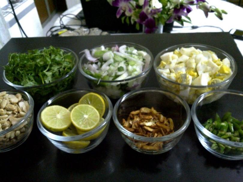 Garnishes for Khow Suey