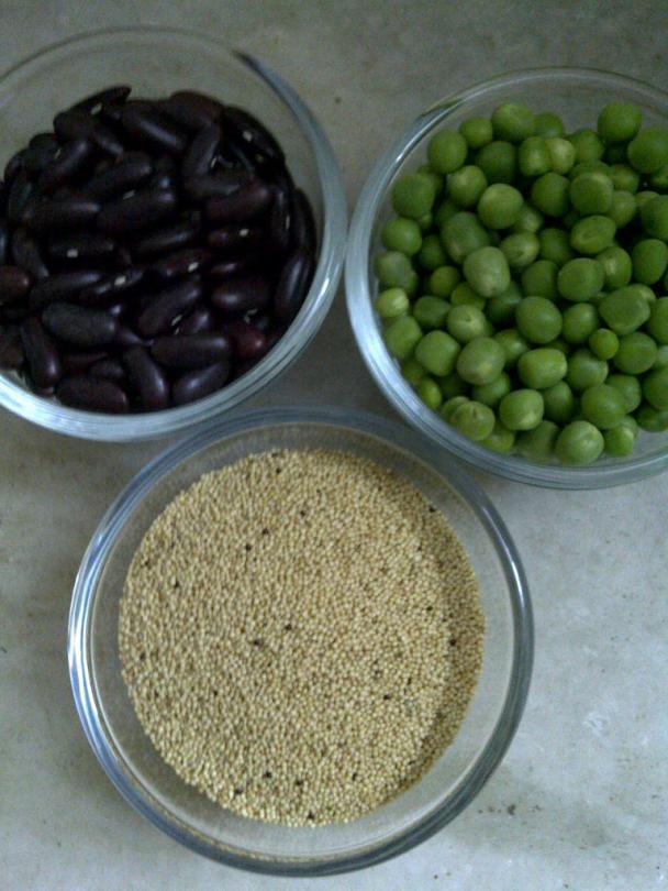 Amaranth Seeds, Kidney Beans & Green Peas