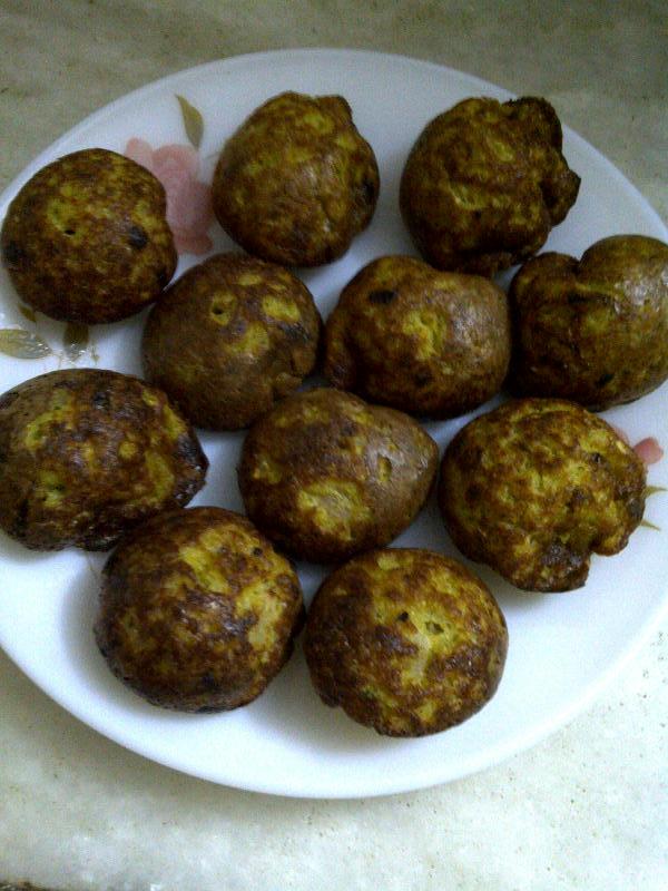 Savoury Aebleskiver of Split Chickpea, Cauliflower & Green Pea
