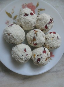 Pomegranate Studded Paneer Balls, The Sugar Free Way
